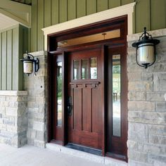 craftsman entry by Chuck Mills Residential Design & Development Inc.