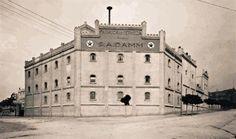 Fàbrica de Cervesa Damm al Carrer Rosselló de Barcelona.