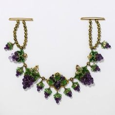 Amethyst and Enamel on Gold Grape Cluster Necklace, Victoria & Albert Museum Collection Enamel Jewelry, Jewelry Box, Jewelry Necklaces, Beading Jewelry, Royal Jewelry, Flower Jewelry, Bracelets, Victorian Jewelry, Antique Jewelry