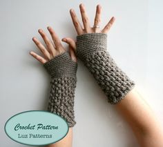DOWNLOAD NOW, Crochet Patterns, girl and women fingerless glove pattern, wrist warmer crochet pattern (124)