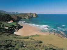 Fotos del camping | Camping La Paz  Pitches overlook small sandy cove, set on terraces. Try local cuisine and cider in nearby fishing town of Llanes.  In Huelva region, south western Spain - with beautiful beaches and relatively quiet.
