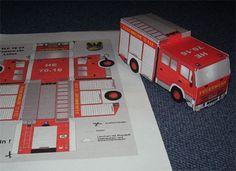 Fire truck paper craft (German)