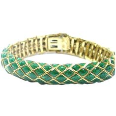 Pre-owned David Webb 18K Yellow Gold Green Enamel Bracelet (38.590 BRL) ❤ liked on Polyvore featuring jewelry, bracelets, 18k gold jewelry, enamel bangle, gold bangles, green jewelry and 18k gold bangles