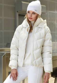 Winter Jackets, Lady, Outfits, Shopping, Collection, Social Media, Posts, Fashion, Winter Coats