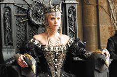 Colleen Atwood truly is one of the most amazing costume designers around- check out this look from Snow White and the Huntsman.