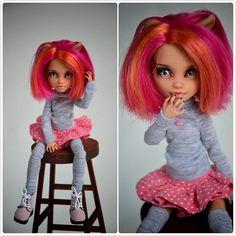 -Holly-  #monsterhigh #monsterhighdolls #ooak #ooakdoll #repaintdoll #custom #dollcollection #howleen #howleenwolf #doll #dolls
