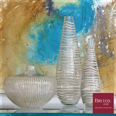 Práticos na hora da necessidade e belos objetos para enfeitar seu aparador, os vasos de vidro Antique da Breton decoram com charme qualquer ambiente.  #BretonActual #Breton #VasoAntique #Praticidade