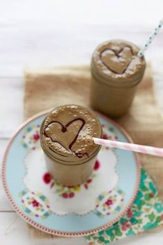 """Healthy Chocolate """"Milkshake"""" from the Yummy Mummy 