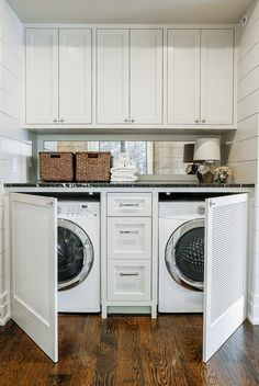 35 Awesome Diy Laundry Room Makeover With Farmhouse Style Ideas. If you are looking for Diy Laundry Room Makeover With Farmhouse Style Ideas, You come to the right place. Below are the Diy Laundry Ro. Mudroom Laundry Room, Modern Laundry Rooms, Laundry Room Remodel, Laundry Decor, Laundry Room Organization, Laundry Room Design, Laundry In Bathroom, Laundry Closet Makeover, Laundry Storage