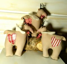 Reindeer Ornament - Rudolph - Red Nose Reindeer - Ornament - Primitive - Angel Wings - Rustic - Christmas Decor - Christmas Reindeer - Faap by Rustiikkitupa on Etsy Rudolph Red Nosed Reindeer, Reindeer Ornaments, How To Make Bows, Angel Wings, Rustic Christmas, Winter 2017, Wool Felt, Primitive, Christmas Decorations