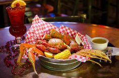 Crawdaddy's Restaurant & Oyster Bar - Come in and enjoy a taste of the sea in the Smokies.