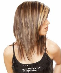 A classic highlight look involves adding thin, subtle highlights to your hair in a color that is complimentary to your base hair color. This enhances the overall look of your color and can give you a lighter hair color without drastically changing your shade, or a finish full of movement, depth and texture.