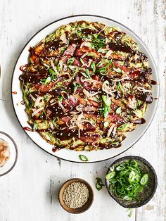 Easy okonomiyaki These trendy Japanese savoury pancakes are popping up everywhere and are a brilliant way to use summer cabbage. This is a super-simplified version. Asian Recipes, Healthy Recipes, Ethnic Recipes, Savoury Recipes, Vietnamese Recipes, Vegetarian Recipes, Japanese Pancake, Japanese Food, Gastronomia