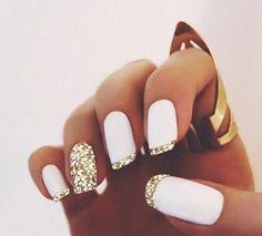 deco ongle blancs en effet brillant dore bijoux en style boheme