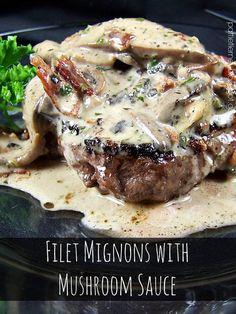 Olla-Podrida: Filet Mignon with Portobello Mushroom Sauce Beef Steak Recipes, Meat Recipes, Dinner Recipes, Cooking Recipes, Hamburger Recipes, Barbecue Recipes, Cooking Tips, Filet Mignon Recipes Grilled, Filet Recipes