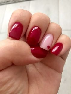 Beautiful Nail Art Ideas for Red Manicure If you want a new manicure but can't think of a new one, red nail polish is definitely the best choice, red nail polish is a style that many Red Nail Art, Red Nail Polish, Cute Nails, Pretty Nails, Diy Nails, Pink Gel, Red Manicure, Red Gel Nails, Stiletto Nails