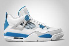 Air Jordan 4 Retro 'Military Blue' Sneakers