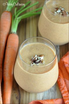 Carrot Cake Smoothie: the classic carrot cake ingredients, transformed into a smoothie. Delicious!