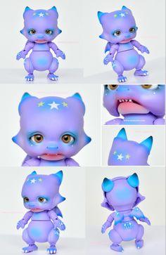 ::. 𝐂𝐮𝐬𝐭𝗼𝗺 𝐟𝐚𝐜𝐞-𝐮𝐩 & 𝐁𝐥𝐮𝐬𝐡𝐢𝐧𝐠 .:: Aileen doll Tiny dragon / Violet skin www.nomyens.com #bjd #abjd #balljointdoll #dollofstargram #instadoll #dollstargram #toy #paint #painting #painted #repaint #handmade #nomyens #nomyensfaceup #aileendoll #aileendolldragon Tiny Dragon, Star G, Ball Jointed Dolls, Bjd, Cosmetics, Fantasy, Toys, Disney Characters, Face