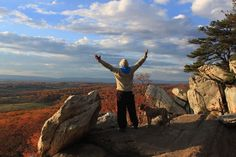 8 Tips for hiking the Bull Run Mountains. North Virginia and Washington DC travel guides. Camping And Hiking, Outdoor Camping, Backpacking, Greatest Adventure, Adventure Travel, Washington Dc Travel Guide, Places To Travel, Places To See, Short Trip