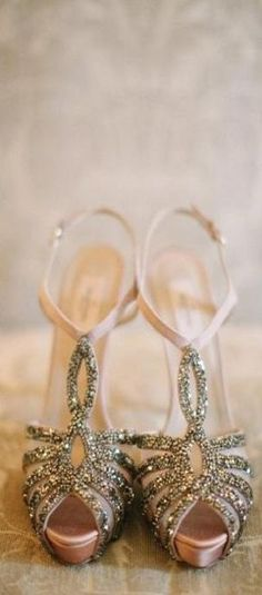 Valentino. Follow us @SIGNATUREBRIDE on Twitter and on FACEBOOK @ SIGNATURE BRIDE