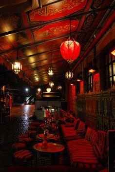 London cafe, lounge, hookahs