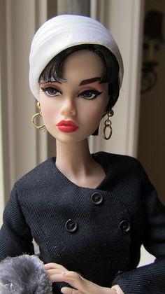 Poppy Parker as Sabrina - Most Sophisticated 4 by Pretty Dolls, Beautiful Dolls, Audrey Hepburn, Diva Dolls, Vintage Barbie Clothes, Poppy Parker, Doll Wardrobe, Hat Hairstyles, Barbie World