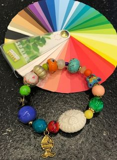 Accessoires heldere wintertype, heldere lentetype, lente/wintertype.   Style Consulting Color Type, Colour, Seasonal Color Analysis, Color Me Beautiful, Season Colors, Feel Good, Jewelry Accessories, Make Up, Seasons
