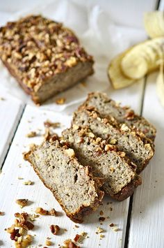 nads healthy kitchen | super moist banana-chia and pecan bread