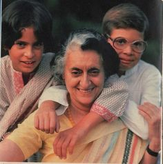 Indian Celebrities, Bollywood Celebrities, Rajiv Gandhi, The Iron Lady, Indira Gandhi, Queen Nefertiti, India Facts, History Of India, Vintage India