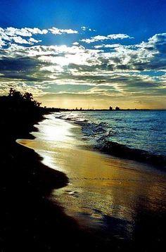 the beach at sunrise Beautiful Islands, Beautiful Beaches, Places To Travel, Places To See, Paradis Tropical, Cuba Beaches, Varadero Cuba, Cuba Travel, Havana
