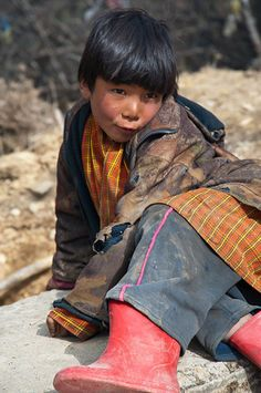 """A Bhutanese child says """"Draw me like one of your French girls."""""""