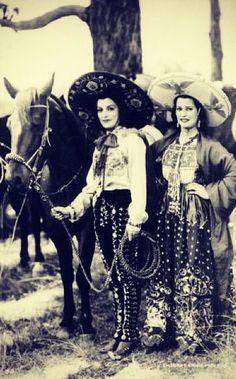 Latina Cowgirls -