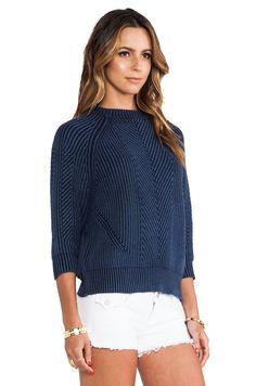 DemyLee Chelsea Sweater en Indigo | REVOLVE