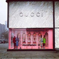 WEBSTA @ chenoiserie - #Gucci #shopfront #windowdisplay #visualmerchandising #pink #elegance #beijing #winter #brightcolour