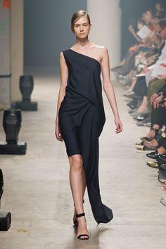Défilé Rabih Kayrouz, prêt-à-porter printemps-été 2014, Paris. #PFW #fashionweek #runway