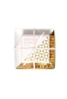 Fringe Studio Peony Rose & Vanilla Soap Bar | Forever 21 - 1055879870