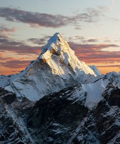 You've Never Seen Mt. Everest Like This Before Landscape Photos, Landscape Art, Landscape Paintings, Fantasy Art Landscapes, Beautiful Landscapes, Mountain Photography, Nature Photography, Mountain Drawing, Mountain Photos