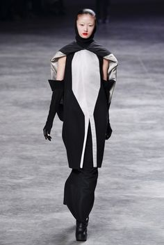 See the complete Rick Owens Fall 2011 Ready-to-Wear collection.