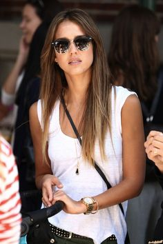 Love this laid back look file on Jessica alba