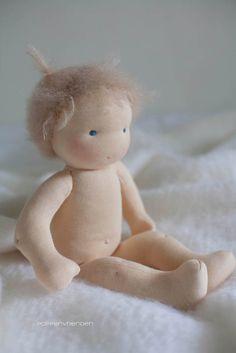 Deze lieve baby is een custom order en ze gaat in deVerenigde Staten wonen.  Ik hoop dat haar poppenmoeder er veel plezier van heeft. Haar ...