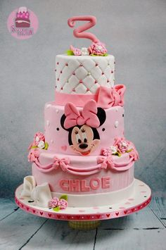 Pink, bows and a minnie - Cake by Tamara Eichhorn Minni Mouse Cake, Bolo Do Mickey Mouse, Mickey And Minnie Cake, Bolo Minnie, Minnie Mouse Birthday Cakes, Mickey Cakes, Baby Birthday Cakes, Mickey Birthday, Baby Cakes