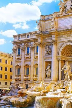 Would love to go back to Italy to visit Rome!(The Trevi Fountain, Rome) Italy! Places To Travel, Oh The Places You'll Go, Places To Visit, Trevi Fountain Rome, Roman Fountain, Places Around The World, Around The Worlds, Destinations, All Nature