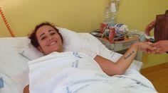 Keluar rumah pakai skirt pendek abang tembak lutut adik   SEORANG gadis telah ditembak di bahagian lutut oleh abangnya selepas lelaki itu bengang melihat adik perempuannya keluar rumah dengan memakai skirt pendek.  Abang Tembak Lutut Adik Kerana Pakai Skirt Pendek  Abang Tembak Lutut Adik Kerana Pakai Skirt Pendek  Sumber gambar dari 27esimaora.corriere.it  Gadis itu Marisa Putortì 21 kini dirawat di hospital di Calabria Itali.  Menurut Marisa abangnya Demetrio 25 berbuat demikian sebagai…