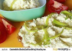 Sýrová pomazánka s cottage sýrem recept(tvrdý sýr,cibule,máslo,majonéza,hořčice,bylinky)