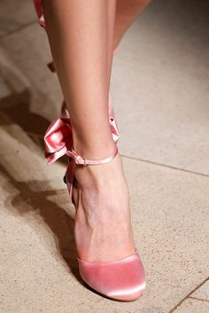 Miu Miu Fall 2016 Ready-to-Wear Accessories Photos - Vogue Sock Shoes, Cute Shoes, Me Too Shoes, Shoe Boots, Shoes Heels, Pumps, Trendy Shoes, Stiletto Heels, Queer Fashion