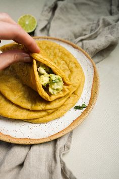 This easy recipe for grain-free plantain wraps has just 4 ingredients and comes together in only 40 minutes. Make a big batch for AIP taco night! Plantain Bread, Plantain Recipes, Wrap Recipes, Paleo Recipes, Cooking Recipes, Egg Free Recipes, A Food, Food And Drink, Grain Free Bread