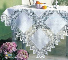 This Pin was discovered by Sev Crochet Art, Filet Crochet, Crochet Doilies, Crochet Patterns, Crochet Table Runner, Embroidery Designs, Diy And Crafts, Weaving, Quilts