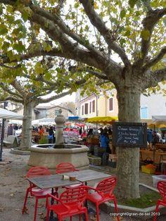 Foire aux Fruits d'hiver, Saou, Drôme, France. http://salzkorn.blogspot.fr/2013/11/markt-der-winterfruchte.html