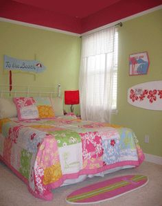 Bringing Aqua chintz (our chosen color) on the ceiling down to the walls like this with a white trim and yellow walls Girl Room, Girls Bedroom, Bedroom Decor, Bedroom Ideas, Surfer Bedroom, Girls Room Design, Bedroom Photos, Aesthetic Bedroom, Bedroom Styles